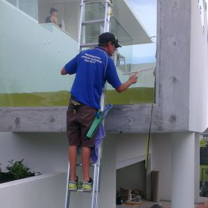 window cleaner services